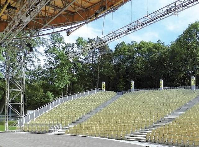 """Choć amfiteatr został wyremontowany niemal w całości, do postawienia kropki nad """"i"""" brakuje zadaszenia po stronie publiczności."""