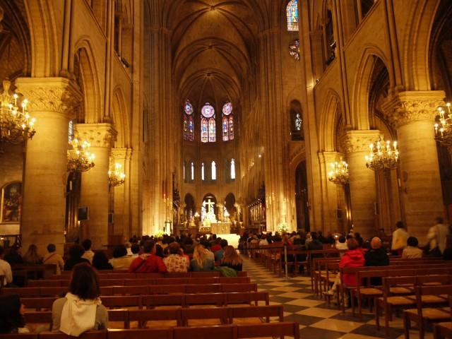 Katedra Notre Dame, jakiej już nigdy nie będzie. Zobacz zdjęcia wnętrzaCZYTAJ WIĘCEJ: Pożar katedry Notre Dame w Paryżu. Płonie jeden z symboli stolicy Francji