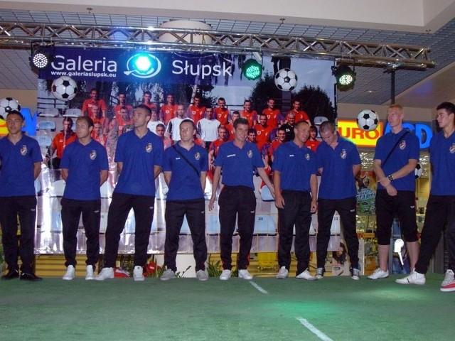 Trójkolorowi prezentowali swój zespół kibicom przed rozpoczęciem sezonu 2011/2012 w Galerii Słupsk