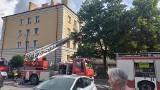 Białystok. Pożar w mieszkaniu przy ul. Lipowej. Zapalił się telewizor. Strażacy ewakuowali mieszkańców [ZDJĘCIA]