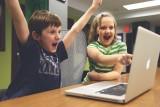 Coraz więcej dzieci uzależnionych od komputera i telefonu. To konsekwencja pandemii