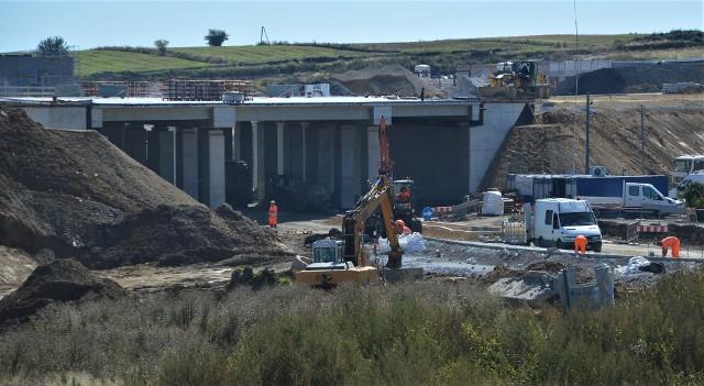 Budowa drogi ekspresowej S7 to największa inwestycja realizowana na terenie powiatu miechowskiego.
