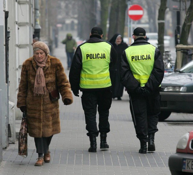 Policjanci namierzyli złodzieja i doprowadzili go do aresztu