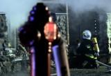 Pożar kamienicy w Cieszynie. Strażacy ewakuowali z mieszkania rodzinę i psiaka