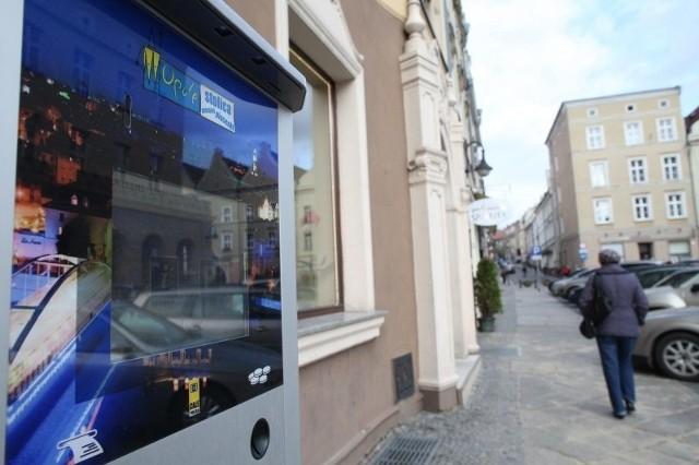 Pierwsze multimedialne parkomaty - które mają pełnić rolę dodatkowych informacji turystycznych - właśnie pojawiły się w centrum miasta.