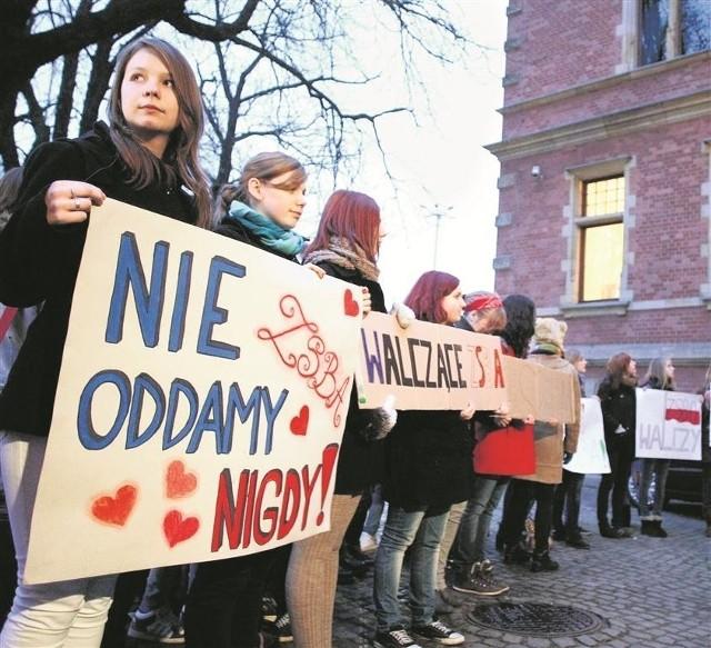 Protest uczniów likwidowanej szkoły
