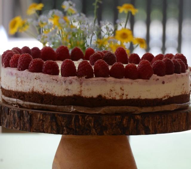 Tort malinowy bez pieczenia. Zobaczcie przepis naszej Czytelniczki.