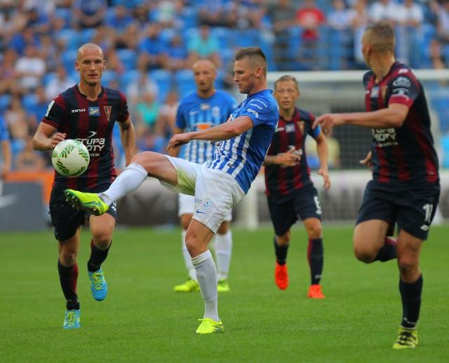- Ten mecz był bardzo dziwny, bo każdy zespół mógł wygrać - powiedział Jarosław Fojut (z lewej).