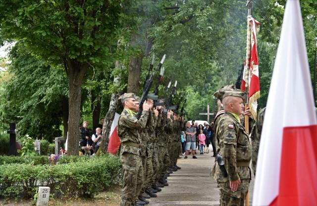 Obchody 77. rocznicy Powstania Warszawskiego odbyły się przy Pomniku Pamięci Armii Krajowej.
