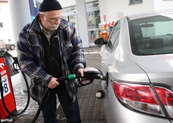 Piotr Roguszczak ze Słupska tankuje paliwo tylko na sprawdzonych stacjach.