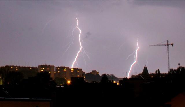 IMGW ostrzega - możliwe burze z gradem! Alert dla południowych powiatów województwa opolskiego