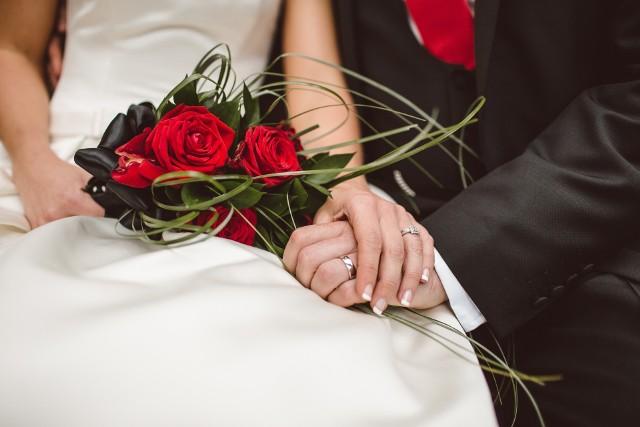 Ile kosztuje wesele, a ile ślub cywilny i kościelny? Trudno uwierzyć w te kwoty!