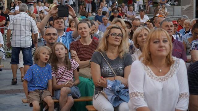 Podlaska Oktawa Kultur co roku pod koniec lipca ściąga tłumy widzów na Rynek Kościuszki w Białymstoku