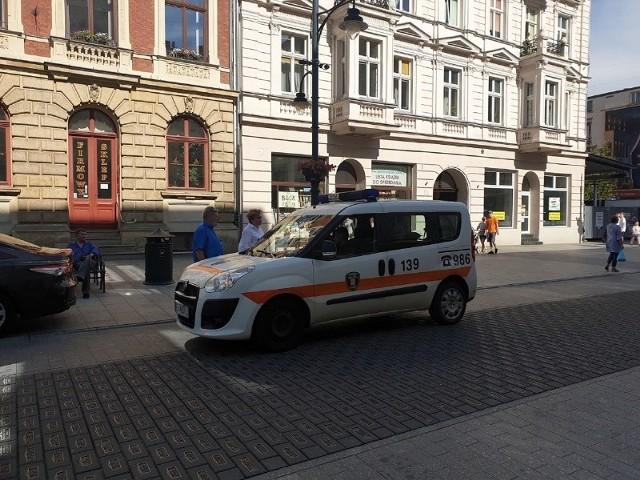 Będą zmiany w funkcjonowaniu straży miejskiej. To efekt tego, że sama prezydent Łodzi musiała w czwartek interweniować w sprawie pijanych awanturujących się na Piotrkowskiej.Czytaj na kolejnych slajdach
