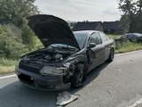 Biskupice Melsztyńskie. Wypadek na DW 980, pijany kierowca uderzył w prawidłowo jadące audi. Jedna osoba ranna, są utrudnienia w ruchu