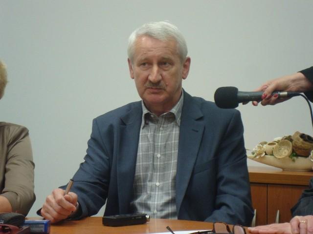 - Najwięcej pytań mamy o harmonogram odbioru odpadów - mówi Ireneusz Strózik z firmy Veolia.