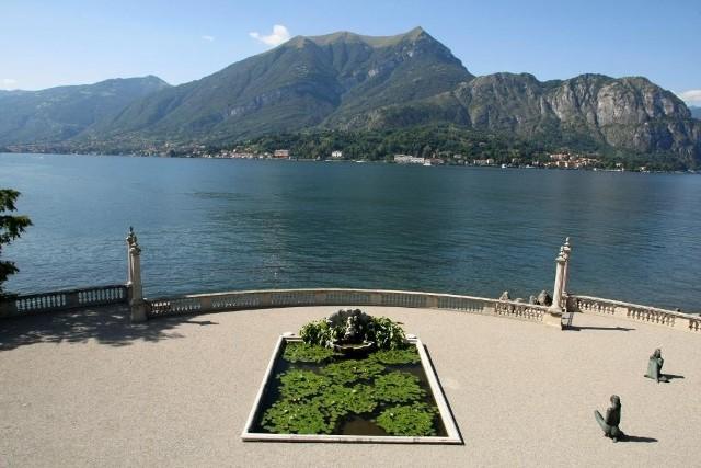Wypoczynek zagranicą mimo wzrostu kursu euro wciąż jest konkurencyjny wobec krajowej oferty, choć nie wszystkich będzie stać na wakacje na przykład w tym miejscu, czyli nad włoskiem jeziorem Como