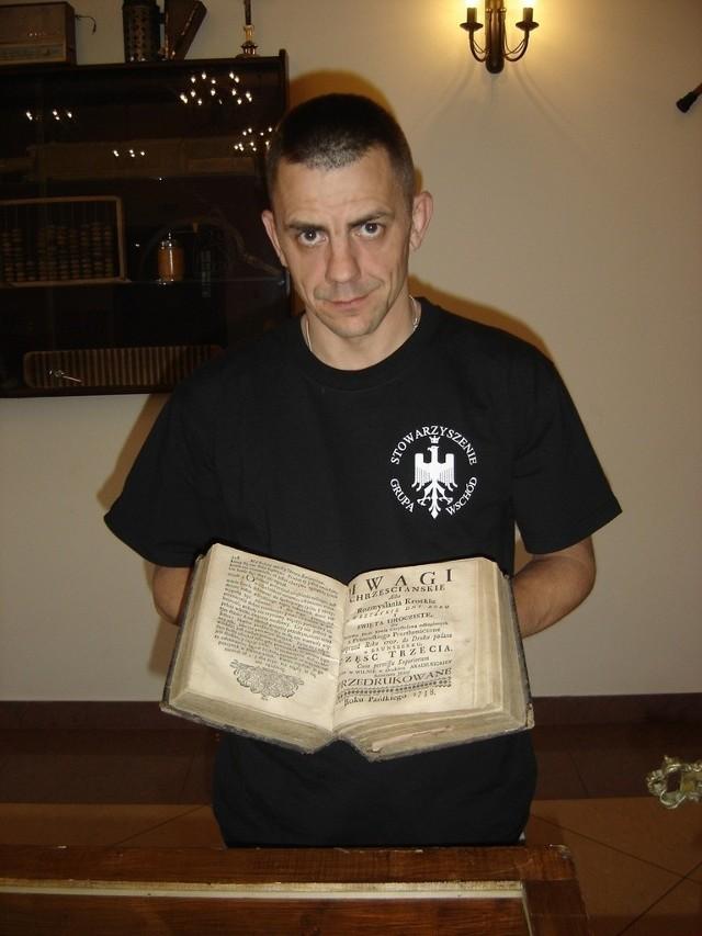 Na wystawie można było obejrzeć między innymi unikalny starodruk z 1738 roku Pokazywał go  Andrzej Bieluczyk ze Stowarzyszenia Grupa Wschód.