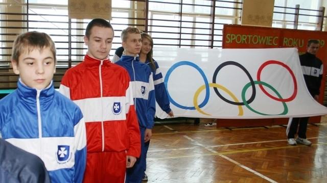 Podczas podsumowania ubiegłorocznych dokonań sportowych uczniów, pierwszoklasiści gimnazjum i liceum sportowego w Rzeszowie złożyli uroczystą przysięgę.