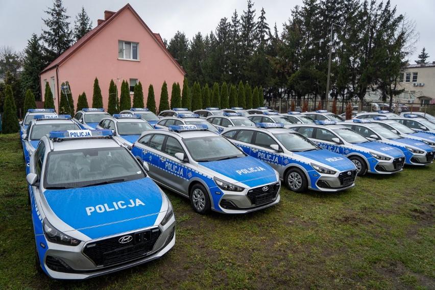 Wkrótce do komend w całej Polsce trafią oznakowane radiowozy marki Hyundai i30.