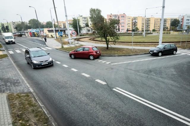 Tak wyglądało skrzyżowanie z ul. Szpitalną po remoncie w październiku ub. roku. Kolejny wykonawca będzie je poprawiał.