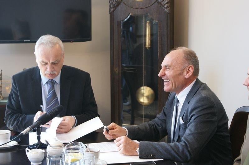 We wtorek (30 kwietnia) w Urzędzie Miejskim podpisano umowę na organizację wyścigu.