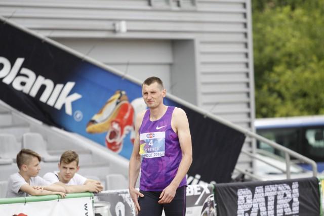 Wojciech Theiner powalczy o medal w skoku wzwyż.