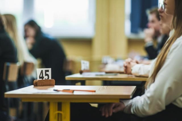 Próbna matura 2021 - wiedza o społeczeństwie poziom rozszerzony. Egzamin rozpocznie się 12.03.2021 r. o godz. 14:00. ARKUSZE + ODPOWIEDZI