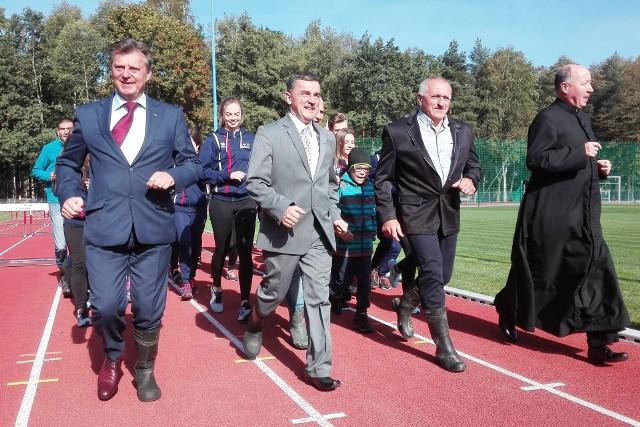 Otwarcie stadionu lekkoatletycznego im. Henryka Puzonia w Zabrzegu