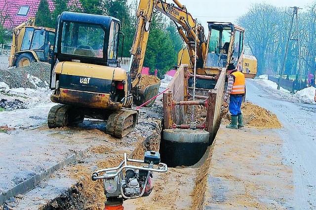 Szykowana podwyżka cen za odprowadzanie ścieków jest drastyczna, ale konieczna, żeby gmina mogła dokończyć budowę kanalizacji.