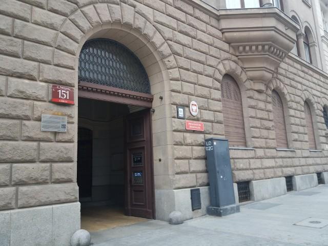 Śledztwo prowadzi teraz Prokuratura Regionalna w Łodzi.