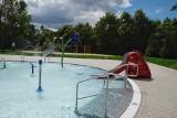 Poznań: Pływalnia w parku Kasprowicza już otwarta. Gruntowny remont przywrócił jej blask [ZDJĘCIA]