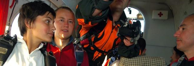 Justyna Moniuszko w samolocie przed skokiem