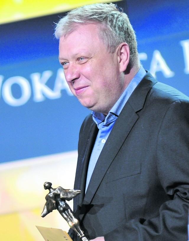 Marek Sierocki, dziennikarz muzyczny. Możemy go oglądać m.in. w Teleekspressie