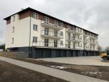 Mieszkania w nowym bloku komunalnym w Płużnicy są zajęte, ale będzie można starać się o kolejne