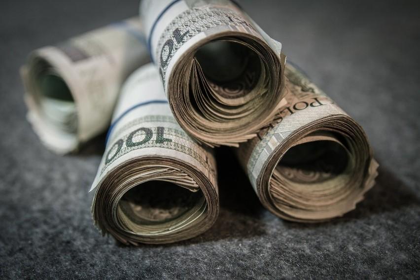 W 2020 r. płaca minimalna wzrośnie o 350 zł brutto, co...