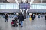 Odwołane loty z powodu pandemii. Co oferują linie lotnicze, a jakie prawa mają pasażerowie?
