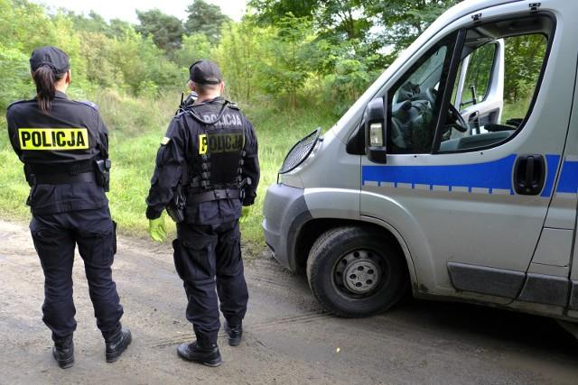 Ciało mężczyzny znaleziono w lesie w pobliżu szpitala przy ul. Fieldorfa. Zdjęcie ilustracyjne