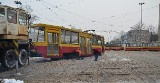 """Wypadek na """"skrzyżowaniu marszałków"""". Auta stały w korkach, nie jeździły tramwaje [ZDJĘCIA, FILM]"""