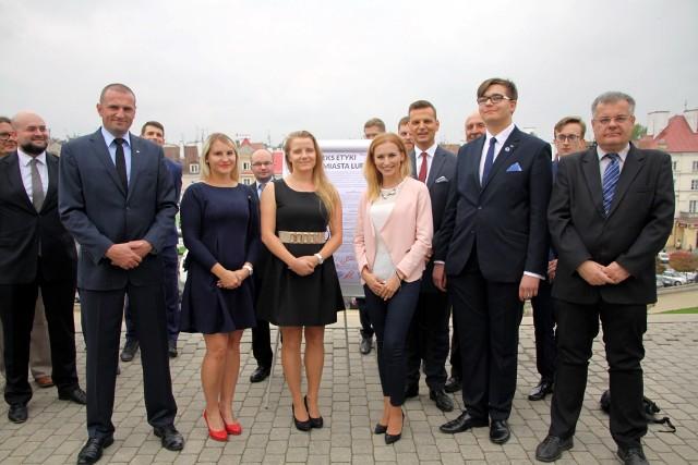 Od lewej: Tomasz Deptuła, Małgorzta Tylus, Magdalena Szczygieł-Mitrus, Kinga Stefańska, Michał Baszczak i Ryszard Milewski.