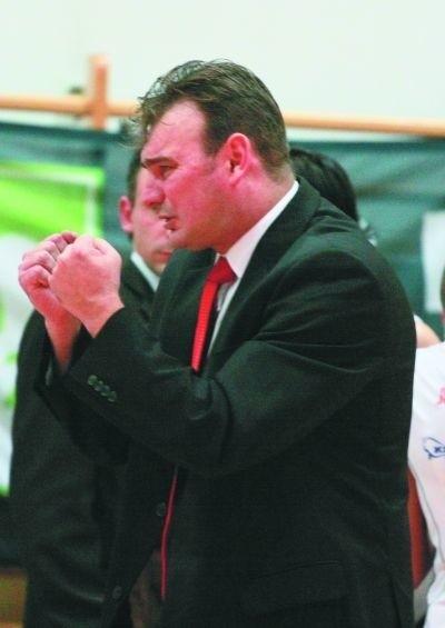 Trener Dariusz Luks przekonuje swoje zawodniczki, że Aluprof jest drużyną do pokonania