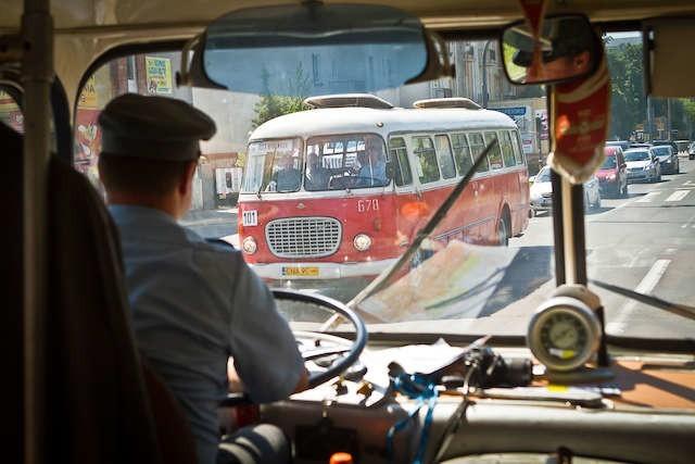 """Podczas dzisiejszego zlotu zabytkowych autobusów będą popularne """"ogórki"""", a wśród nich pierwszy oryginalny model miejski"""