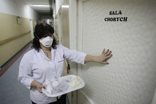 W szpitalu im. Korczaka w Łodzi leżało dwoje chorych z wirusem AH1N1. Szpital zapewnia, że nie ma zagrożenia epidemii.