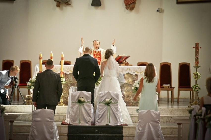 Kolejna diecezja wprowadza ograniczenia ws. piosenek na ślubach!