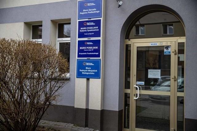 Białostocka siedziba Zarządu Regionu Platformy Obywatelskiej (przy ul. Malmeda) jest równocześnie miejscem, w którym swoje biura mają posłowie Koalicji Obywatelskiej