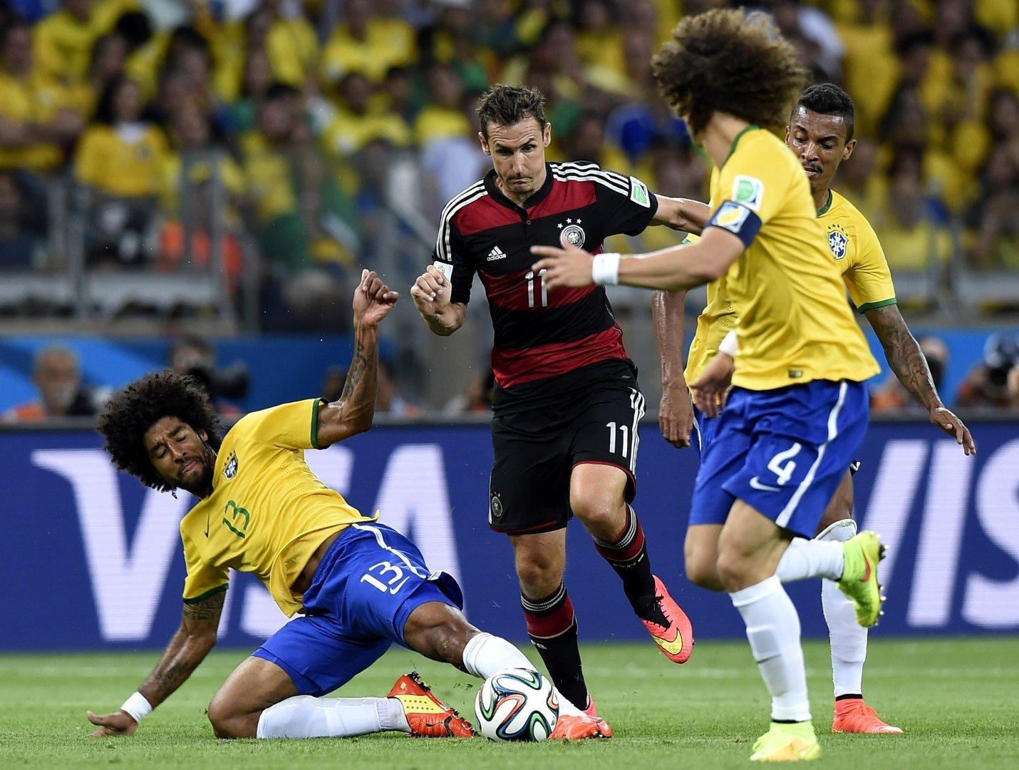 25a8493bf Klęska 1:7 z Niemcami w półfinale mistrzostw świata 2014 była dla Brazylii  szokiem