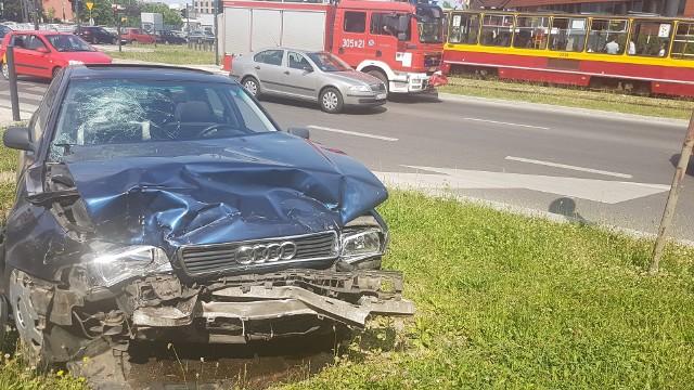 Mężczyzna ranny w wypadku na skrzyżowaniu alei Mickiewicza i ulicy Żeromskiego