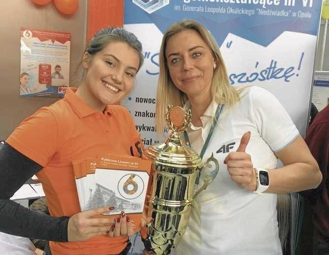 Szóstka to najlepsze liceum w województwie we współzawodnictwie sportowym. Jej uczniowie zdobywają puchary i medale.