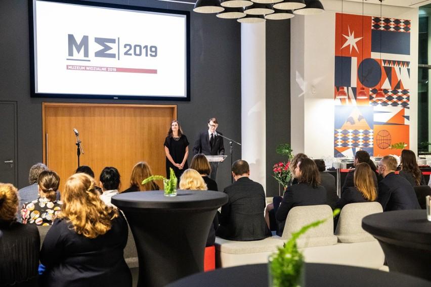 Państwowe Muzeum na Majdanku nagrodzone za nowy logotyp na gali w Gdyni