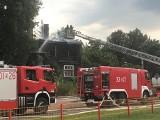 Pożar domu przy ul. Sosnowskiego w Białymstoku. Mieszkanie stanęło w płomieniach (zdjęcia)